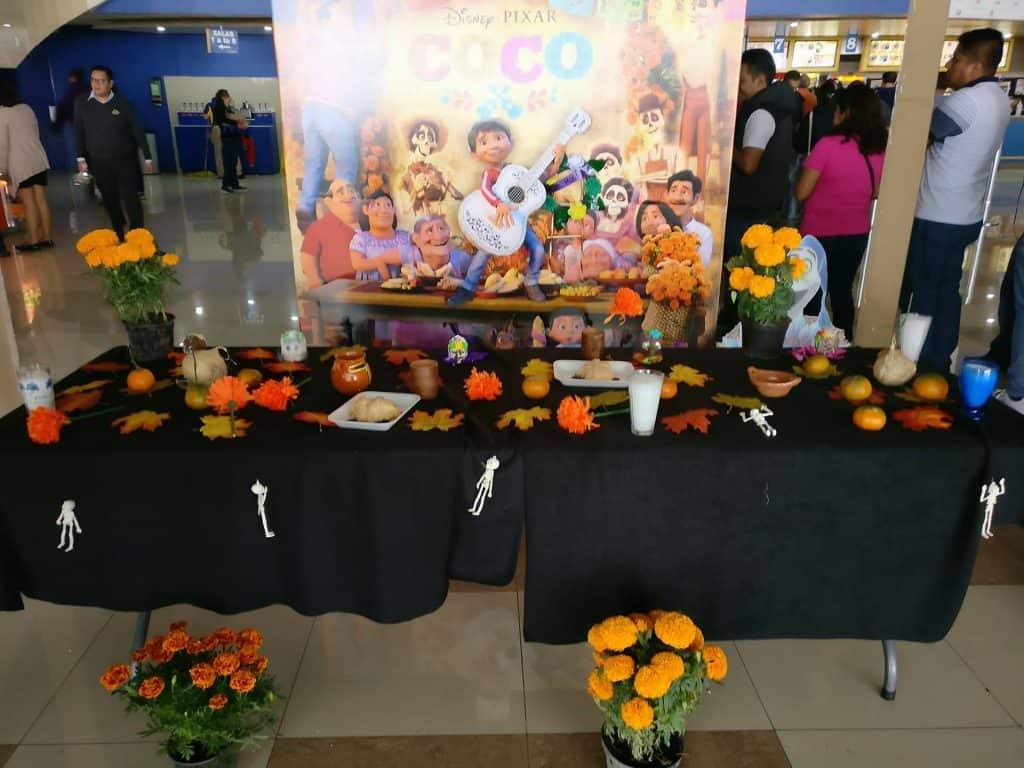 ofrenda design around Coco advertisement