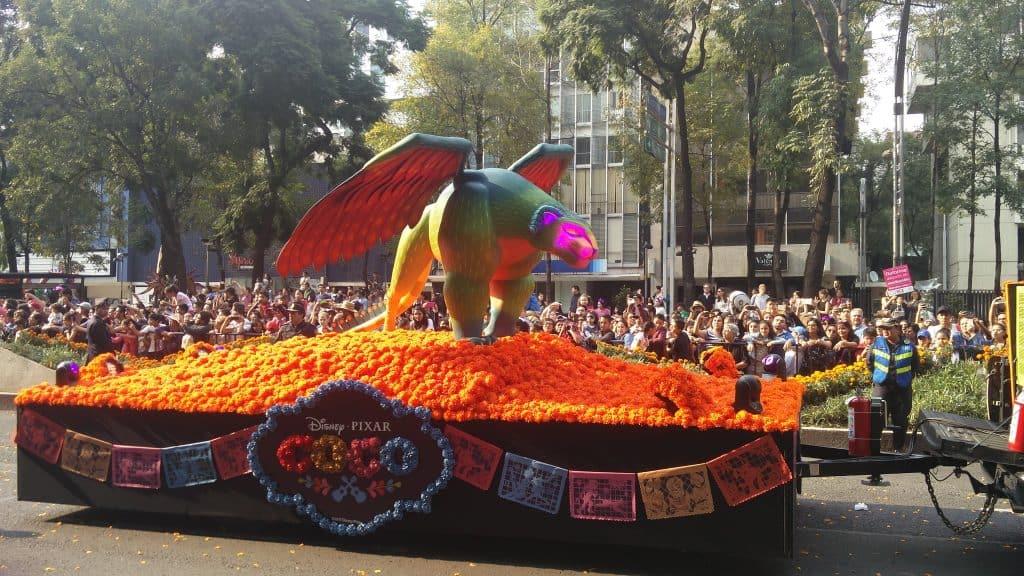 Disney Coco Float Día De Los Muertos