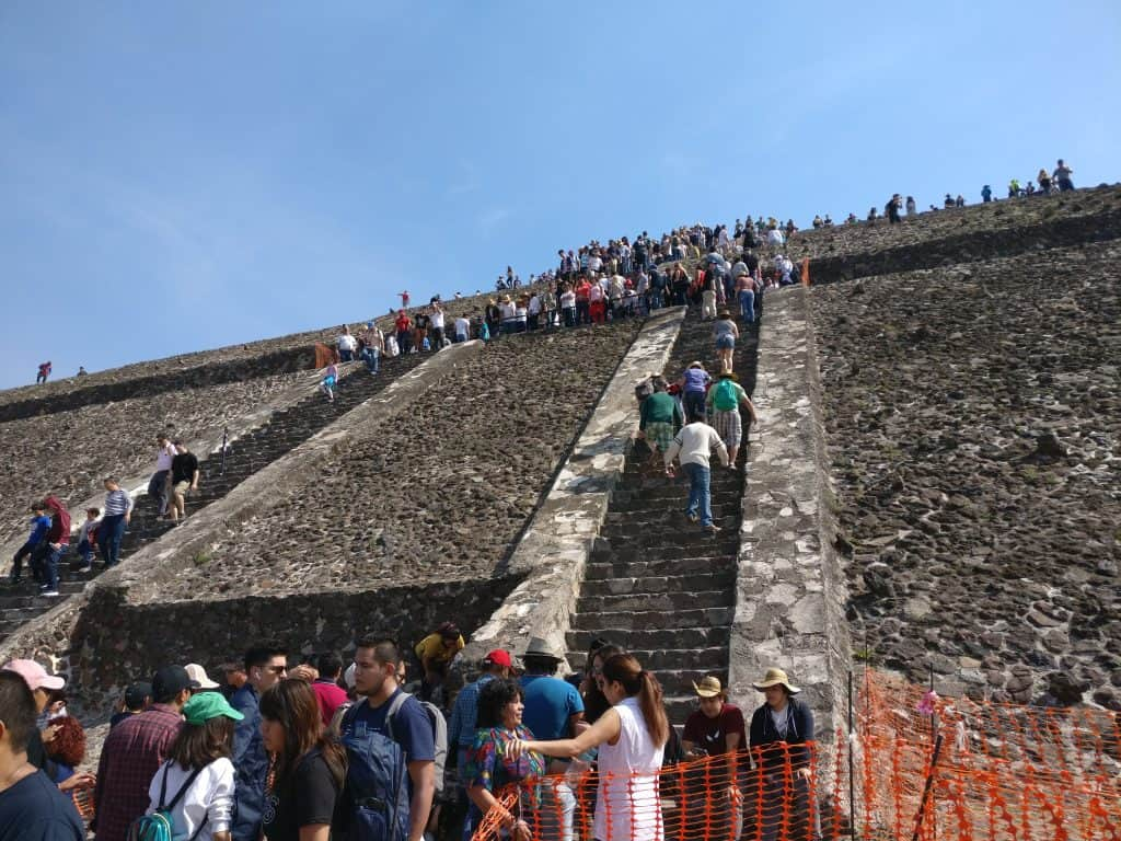 Crowds at teotihuacan sun pyramid